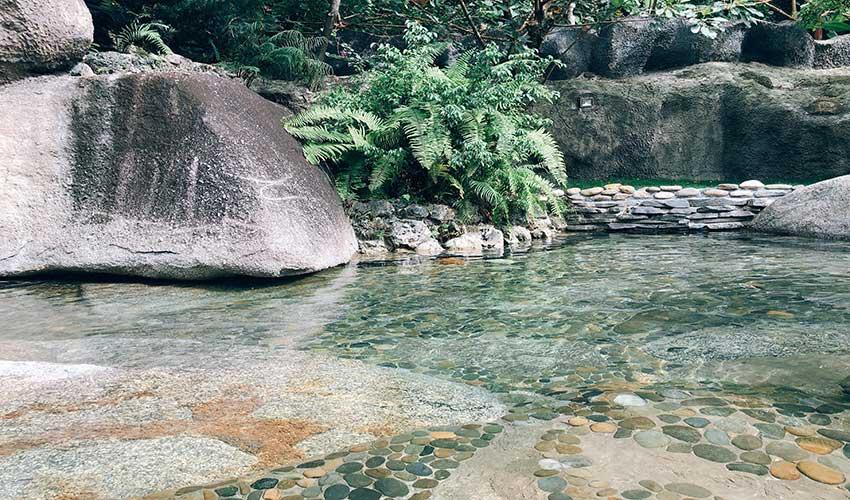 Hồ ngâm nước nóng