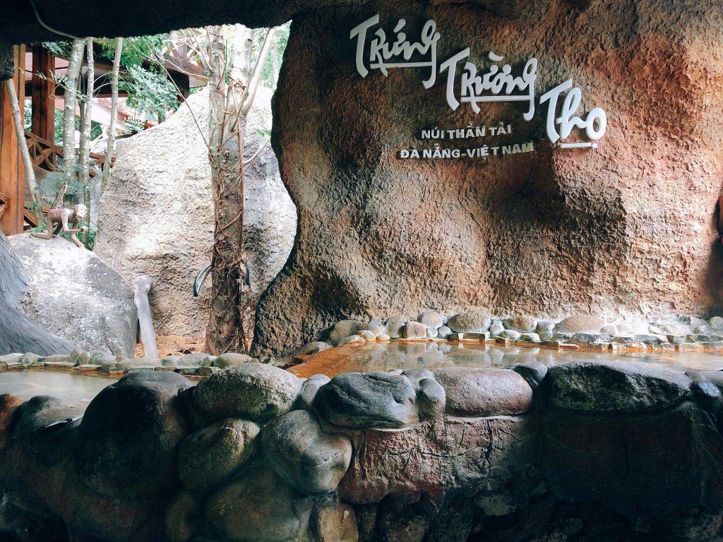Trứng trường thọ tại Núi Thần Tài