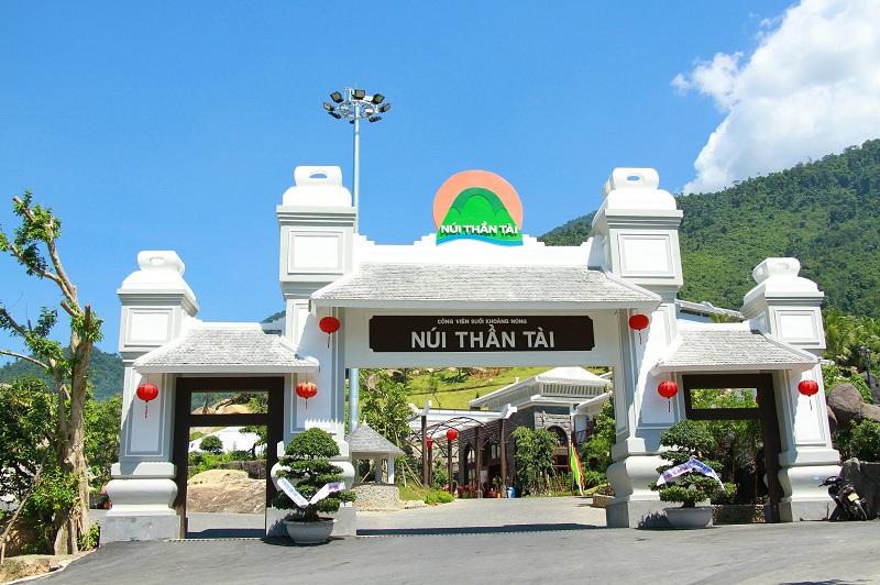 giá vé dịch vụ Núi Thần Tài Đà Nẵng